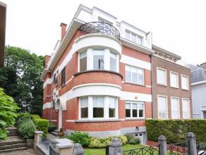 Dans le quartier Roosevelt, le long d'une large avenue résidentielle, agréable villa 3 façades 1941 rénovée en 2000
