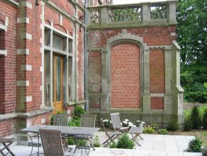 Dans un cadre exceptionnel et dans une propriété de 4 ha, partie de château complètement rénovée, comprenant
