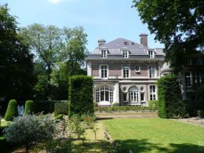 Au coeur du quartier Observatoire-Vert Chasseur, proche de toutes les commodités, magnifique maison de maître entourée d'un grand