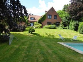 A la limite de Waterloo et de Ohain dans un site de campagne charmante villa fermette 1967 rénovée entre 1997 et 2013, beau jardin priva