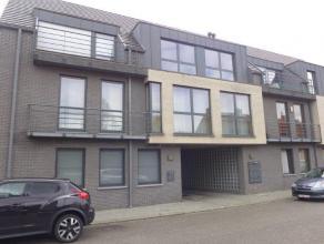 Mooie en ruim duplex appartement met zonne terras en parking. Gelegen op 2de verdieping (met lift). Inkomhal met afz.WC en berging/vestaire met plaats
