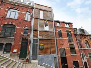 Ce magnifique appartement, aménagé avec goût, vous propose pas moins de trois possibilités de terrasses : une à l'ar