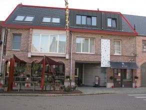 Centraal gelegen appartement met terras te Duffel-Oost Mooi ingerichte keuken en badkamer, 3 slaapkamers,CV op gas, dubbel glas en gemeenschappelijke
