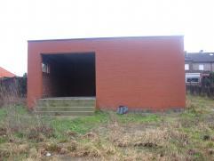 Opslagruimte van 75m² op een stuk grond van 10 are 70 ca aan de rand centrum Duffel-Oost.