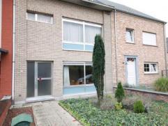 Zeer ruime woning op de stadsrand van Mechelen ! Deze woning is momenteel ingedeeld als duplex-appartement + studio !  De woning omvat: - kelder,