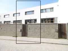 Unieke nieuwbouwwoning op een A-locatie te Mechelen !  Indeling: inkomhal - living met zithoek en eethoek - volledig ingerichte keuken - 3 slaapkame