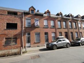 Te moderniseren woning met 4 slaapkamers te Mechelen.  Indeling: Kelder. Gelijkvloers: inkomhal - zithoek - eetplaats - keuken - slaapkamer - badk