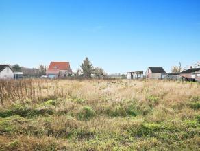 Bouwgrond voor halfopen bebouwing gelegen Dijleweg te Rijmenam.<br /> <br /> Grondoppervlakte: 461 m².<br /> Perceelsbreedte: 9m50<br /> Bouwvoor