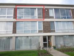 Mechelsesteenweg 58/5.Op 2de verd: Vernieuwd appt. met 2 slpkrs, comfortabele keuken, balkon - mogelijk garage te huur @ 40 eruo.Indeling: inkomhal me