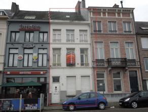 Leopoldplein 51 . Opbrengsteigendom nabij station van Lier bestaande uit 3 appt. en 1 studio en tuin. Bew. Opp. +/-200 m²  Gemeenschappelijke ink