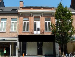 Antwerpsestraat 90 te Lier. ZIE VIDEO WWW.MUROS.BE (in bijlage) 6,5 m breed kwalitatief vernieuwd duplex appartement met 2slpkrs , 2 badkamers , 2 toi