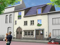 Op een boogscheut van Mortsel-centrum, in een rustige woonstraat die parallel loopt met de Mechelsesteenweg, worden 2 stijlvolle woningen met ZW-tuin