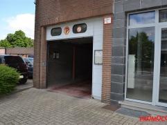 Ondergrondse garagebox (nr. 30) op verdieping -2 in centrum Mortsel. Onmiddellijk beschikbaar. Maandelijkse kosten ca. 10 (syndicus, minuterie en onde