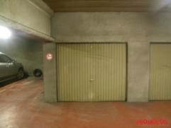 Deze garagebox vind men terug in een centraal gelegen garagecomplex op de Mechelsesteenweg 45, naast de supermarkt Aldi. De afmeting van de garage is