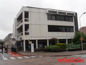 Prijs : &; 4.700 Adres : Hendrik Kuypersstraat 52, 2640 MORTSEL Bewoonbare opp. : 685 m² Grondoppervlakte : 350 m² Bouwjaar : 1980 EPC :