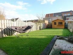 Deze instapklare woning is zeer gunstig gelegen in de aangename residentiële wijk Savelkoul te Mortsel. De woning is gerenoveerd en zeer goed ond