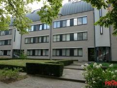 Luxueuze op te frissen duplex op de 3e en 4e verdieping nabij het centrum van Mortsel. In de rustige straat genaamd 'Hollandse Tuin' treffen we dit ru