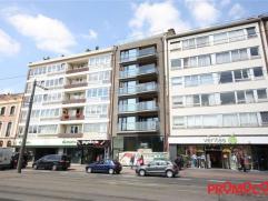 Volledig opgeschilderd nieuwbouw studio-appartement, gelegen in het hartje van Mortsel! Bewoonbaar oppervlakte 60m² met aangenaam terras van 5m&s