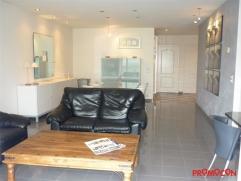 Dit appartement (75m²) is zeer centraal gelegen, vlakbij het centrum van Kontich. Voor de deur is ook een bushalte. U betreedt het pand op de 1st