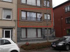 Aangenaam appartement met 2 slaapkamers, gelegen op de 1e verdieping van een klein gebouw, in een toffe/ rustige wijk in de nabijheid van winkels en o
