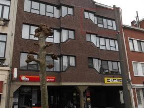 Appartement te BERCHEM (2600) &; 695 Foto 1 van 8 Meer informatie aanvragen Bezoek aanvragen Algemeen Prijs : &; 695 Aantal slaapkamers : 2 Aa