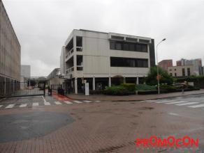Prijs : &; 1.550 Adres : Hendrik Kuypersstraat 52, 2640 MORTSEL Bewoonbare opp. : 250 m² Grondoppervlakte : 350 m² Bouwjaar : 1980 EPC :