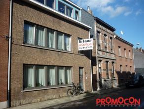 Prijs : &; 585 Aantal slaapkamers : 2 Aantal badkamers : 1 Adres : Nieuwstraat 49/V1, 2550 KONTICH Woongedeelte : 30 m² EPC : 175,00 kWh/m&am