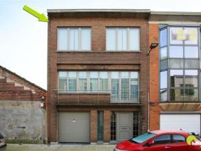 Deze instapklare en gerenoveerde bel-étage woning met 2 terrassen, tuin en garage is centraal gelegen in de wijk 'Bosuil'.    We betreden deze
