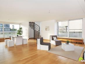 Op een toplocatie in het centrum van Mortsel en vlakbij openbaar vervoer (trein, tram en bus) vinden we dit prachtig duplex appartement (140m²),