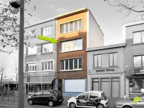Instapklaar en compleet gerenoveerd appartement  in het commerciële hart van Mortsel, op weg richting Berchem.  Het appartement is gelegen op de