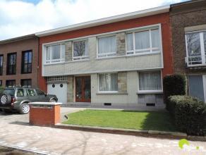 In de directe omgeving van de Fruithoflaan kan je dit appartement bezoeken op afspraak,  gelegen in een klein en rustig gebouw met terras en goede inv