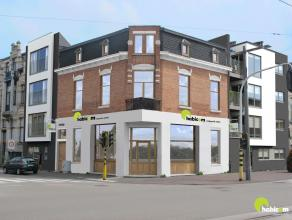 Boven het nieuw habicom-kantoor op de grens van Mortsel met Berchem vinden we dit 1-slaapkamer appartement op de 1ste verdieping.  Er zijn geen gemeen