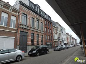 Aan het stationsplein te Lier recht tegenover het treinstation vinden we op de 2e en 3e verdieping een prachtig duplex appartement met é&eacute