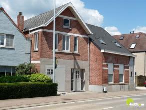 Casco gerenoveerde woning op een invalsweg naar het centrum van Meerhout.    Op dit ogenblik is de woning nog 'casco'. Ideaal voor een persoon die zel