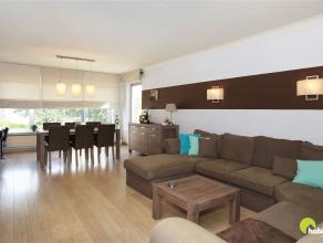 Dit verzorgd hoek-appartement is gelegen in een zeer aangename, autoluwe en rustige woonwijk nabij kasteel Cantecroy. Het appartement bevindt zich in