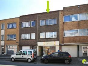 Tussen de commerciële centra van Mortsel en Edegem vinden we dit goed gelegen opbrengsteigendom bestaande uit een handelsgelijkvloers, twee 1-sla