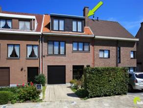 In de zeer aangename en autoluwe woonwijk 'Savelkoul' , vinden we deze verrassend ruime woning (6,5m gevelbreedte) met de living op het gelijkvloers e