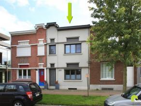 Deze gerenoveerde woning bevindt zich vlakbij het centrum van Wommelgem met in de directe omgeving tal van winkels en supermarkten, maar ook scholen e