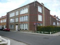 Appartement op de 1ste verdieping, zeer rustig gelegen, aan de stadsrand, nabij de ring rond Mechelen en openbaar vervoer! Bewoonbare oppervlakte: +/-