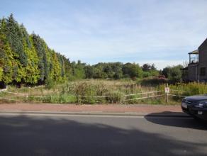 Bouwgrond voor halfopen bebouwing (lot 1) van +/-5a33ca gelegen in een landelijke omgeving! Perceelsbreedte: +/- 13,13m. Perceelsdiepte linkerzijde: +