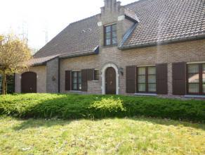 Instapklare en verzorgde villawoning v +/-455m² met o.a. 8 slaapkamers, 2 badkamers, bureau, zeer ruime woonkamer, ingerichte keuken met bijkeuke