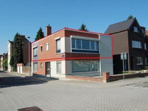 Verzorgd appartement op de 1e verdieping van ± 86 m² met garage, gelegen langsheen de Leuvense Vaart en nabij het station van Mechelen! In
