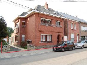 Te renoveren woning (HOB) van +/-215m² met o.a. 3 grote en 2 kleine slaapkamers, eetkamer, woonkamer, keuken, badkamer, berging, veranda, garage