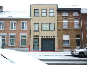 Volledig gerenov. RW / bel-étage (bemeubeld) zeer gunstig gelegen net buiten het centrum, nabij openb verv, winkels, scholen, de ring rond Mech