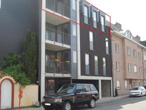 Nieuwbouw appartement van ± 96 m² is gelegen op wandelafstand van centrum van Mechelen en openbaar vervoer. Met de wagen heeft u een goede