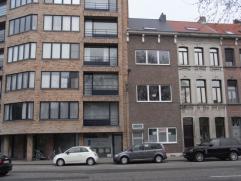 Prachtig gerenoveerde woning aan de ring van Mechelen . Inkom, hall, praktijkruimte, terrasEerste verdieping,badkamer,mooie moderne keuken, grote zonn