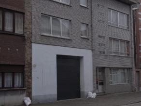 carport te huur in afgesloten complex net buiten centrum van Mechelen. 75 euro incl BTW. vrij vanaf 01/05/2016
