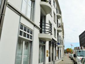 goed gelegen appartement in Mechelen: dichtbij centrum,station en oprit E19  Indeling: inkomhal, woonkamer met open keuken, 3 slaapkamers, badkamer, b