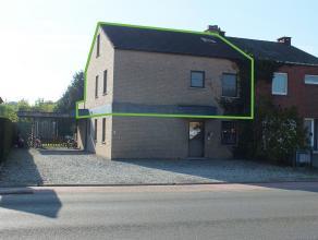 Mooi duplex appartement (136m ²) met 3 slpks, autostaanplaats en een groot zuidelijk georiënteerd terras van 32m². Appartement is momen