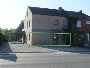 Ruim appartement (114m ²) met 3 slaapkamers, carport en tuintje van 219m². Appartement is momenteel verhuurd. Klein beschrijf mogelijk!